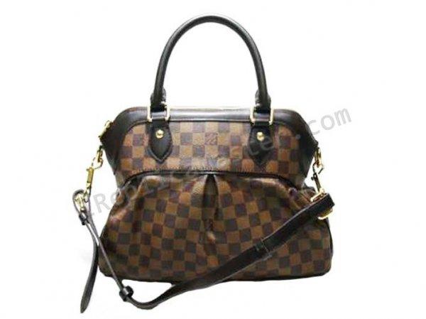 Продам женскую сумку LOUIS VUITTONреплика